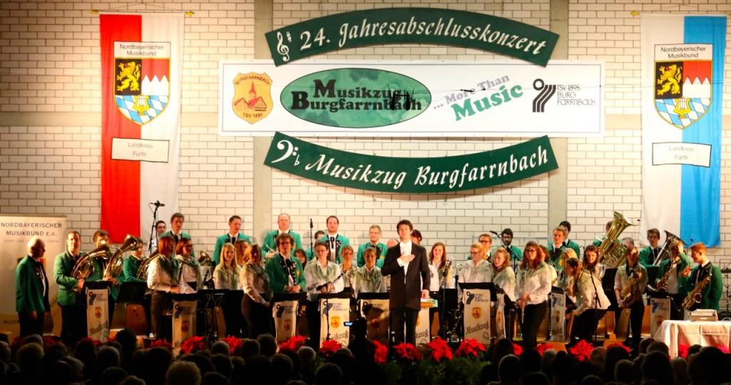 """Am Ende der Konzerte sagt der Musikzug Burgfarrnbach danke. """"Danke"""""""